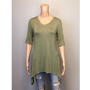 🆕 LOGO by Lori Goldstein olive v neck tee shirt